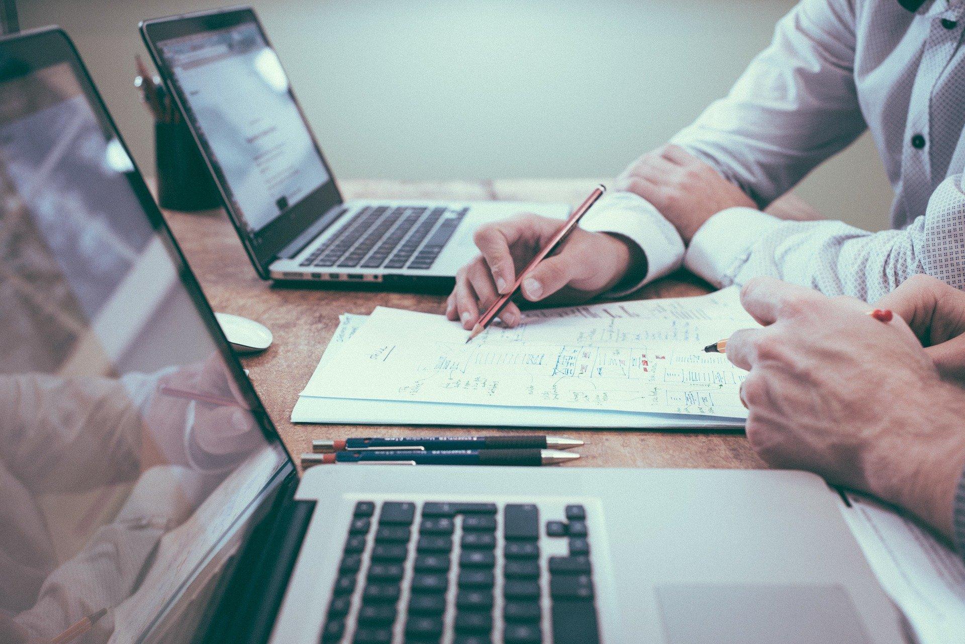 Read more about the article FURS: Če ste letni davčni obračun oddali po 31. 3. 2021, se vam prestavi rok za plačilo akontacij